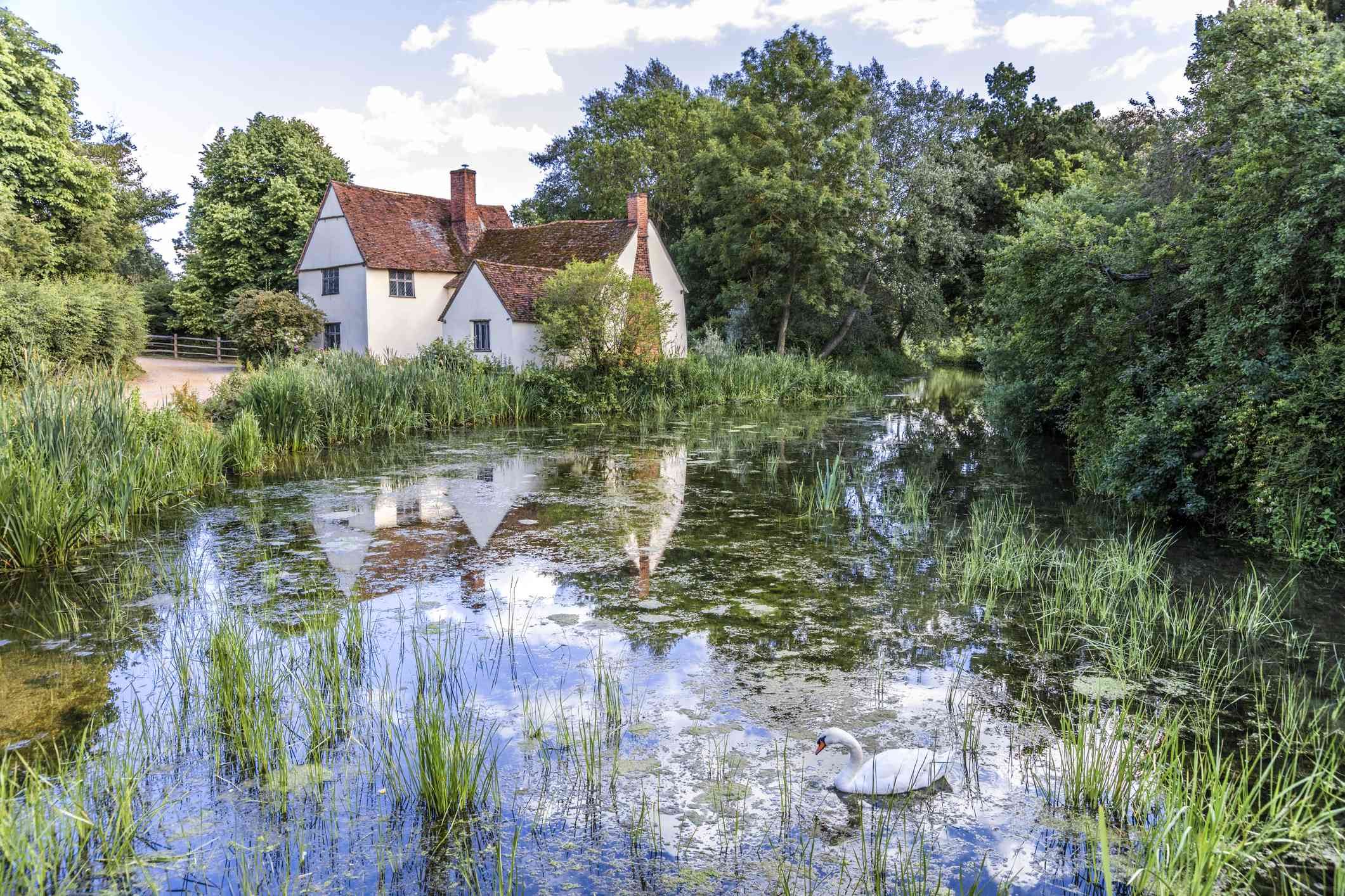 Willy Lotts House (Willy Lotts Cottage) beside the River Stour at Flatford Mill
