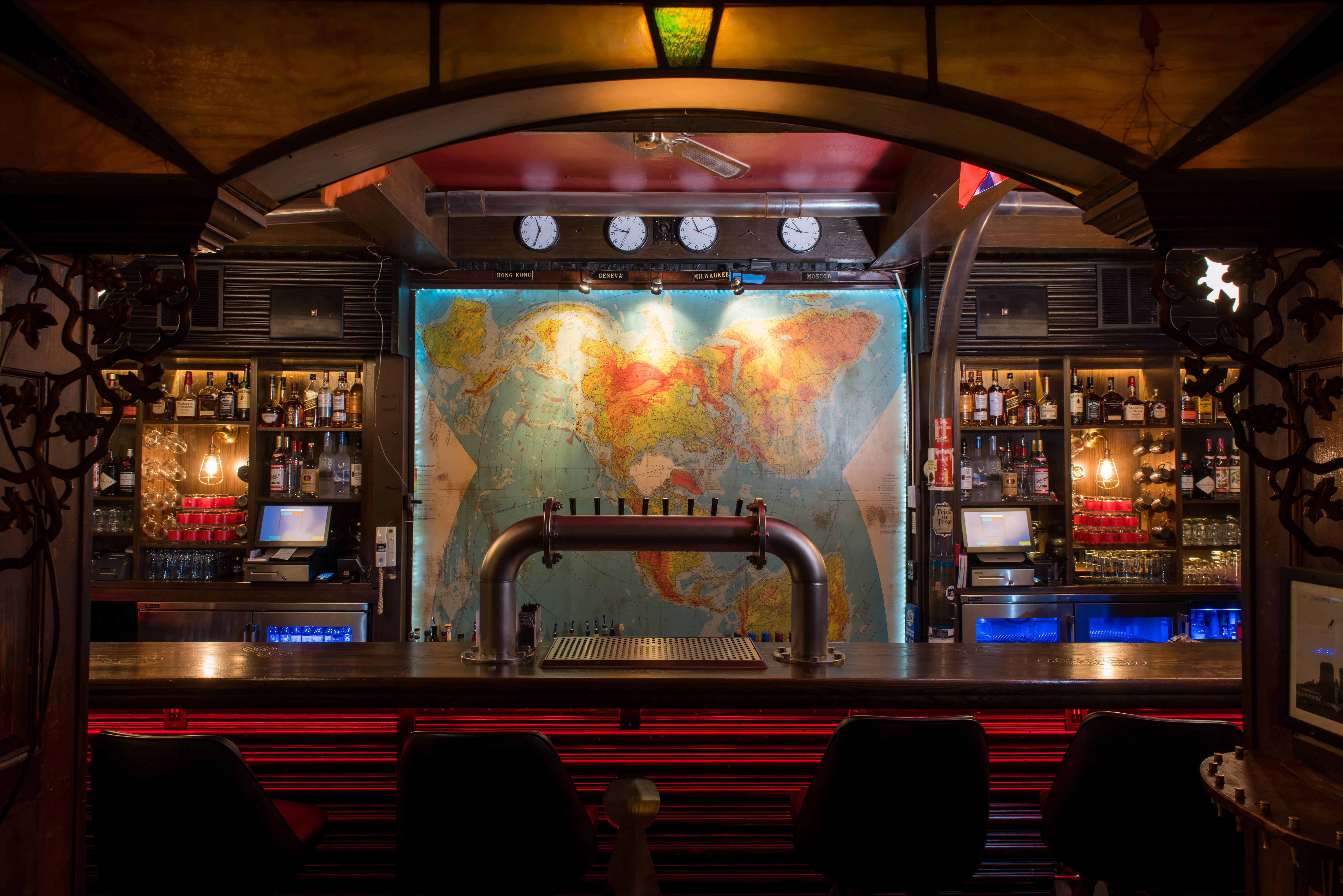 Milwaukee's 7 Best Hidden Bars