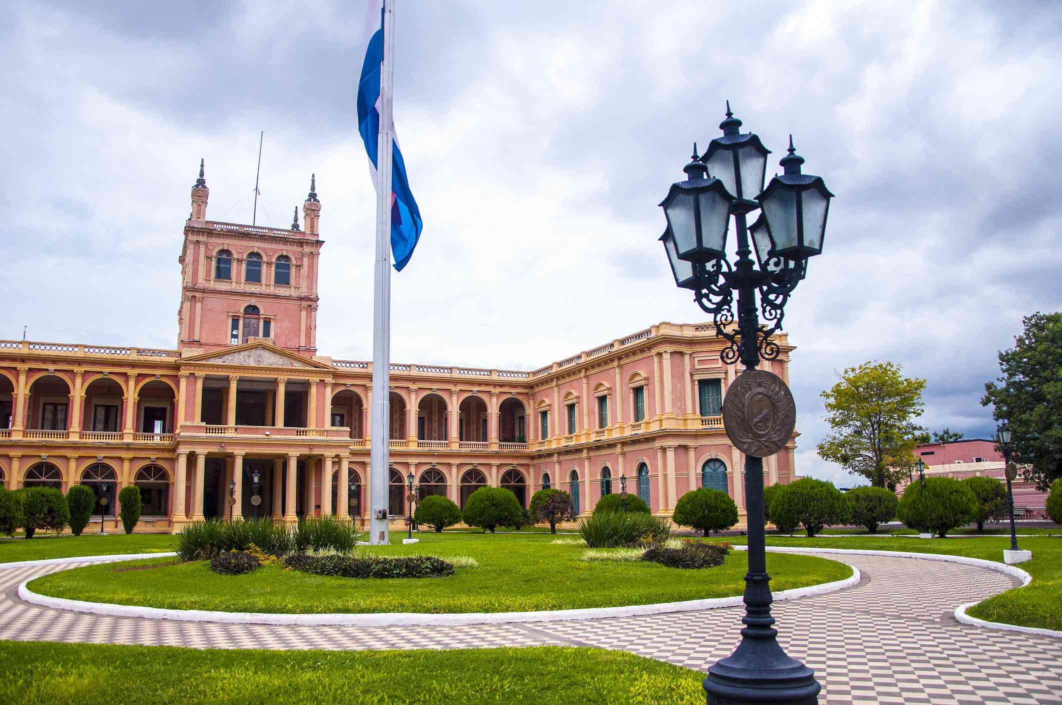 Vista exterior del Palacio de los López (Palacio de Gobierno). Asunción, Paraguay.