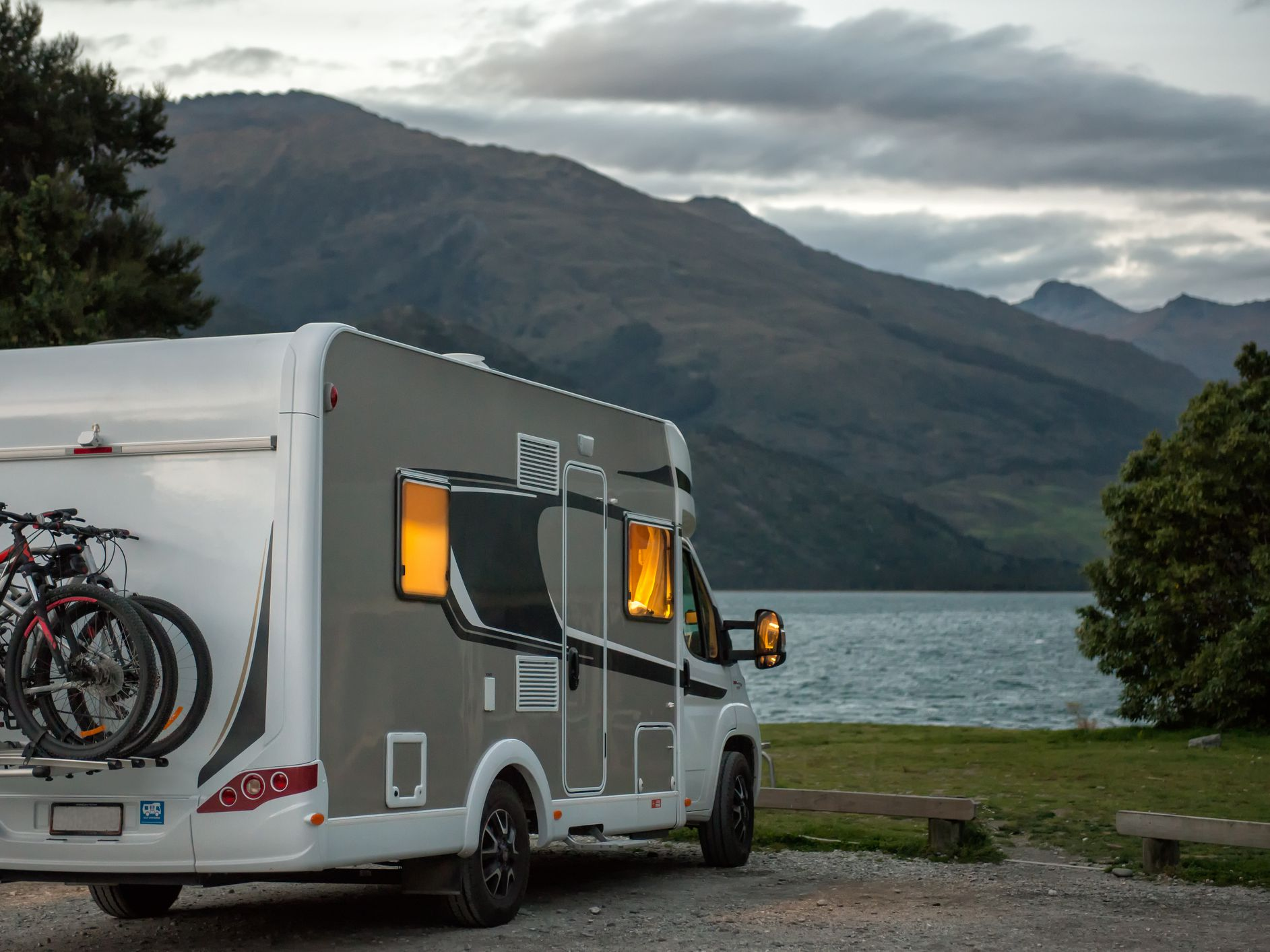 Pros and Cons of Using Wind Turbines to Power Your RV