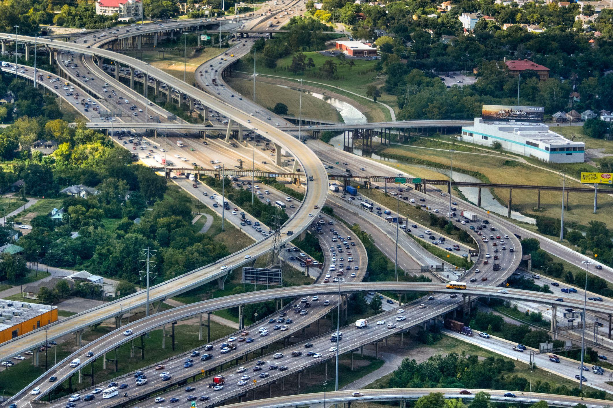 Rose on Twitter: Toronto, Highway 401: Widest highway in