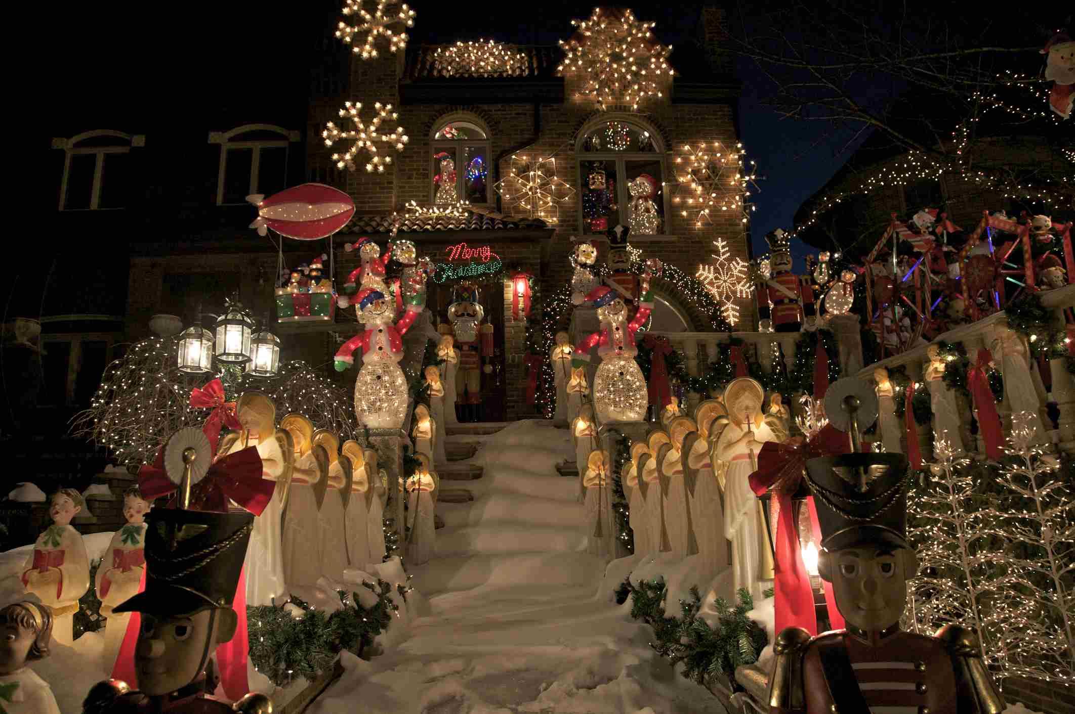 10 Ways to Celebrate the Holidays in Washington D C