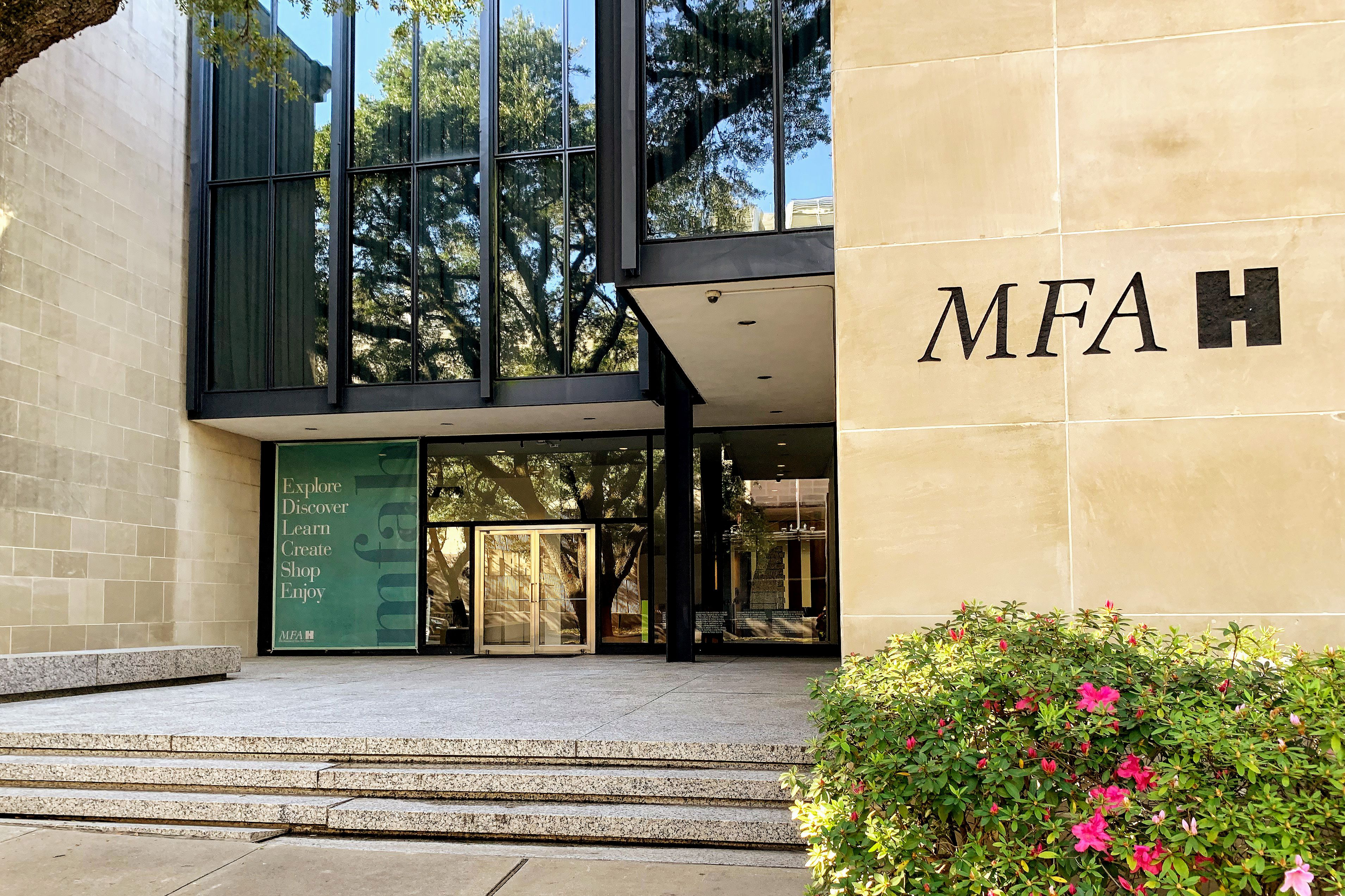 Entrance to the Fine Arts Museum