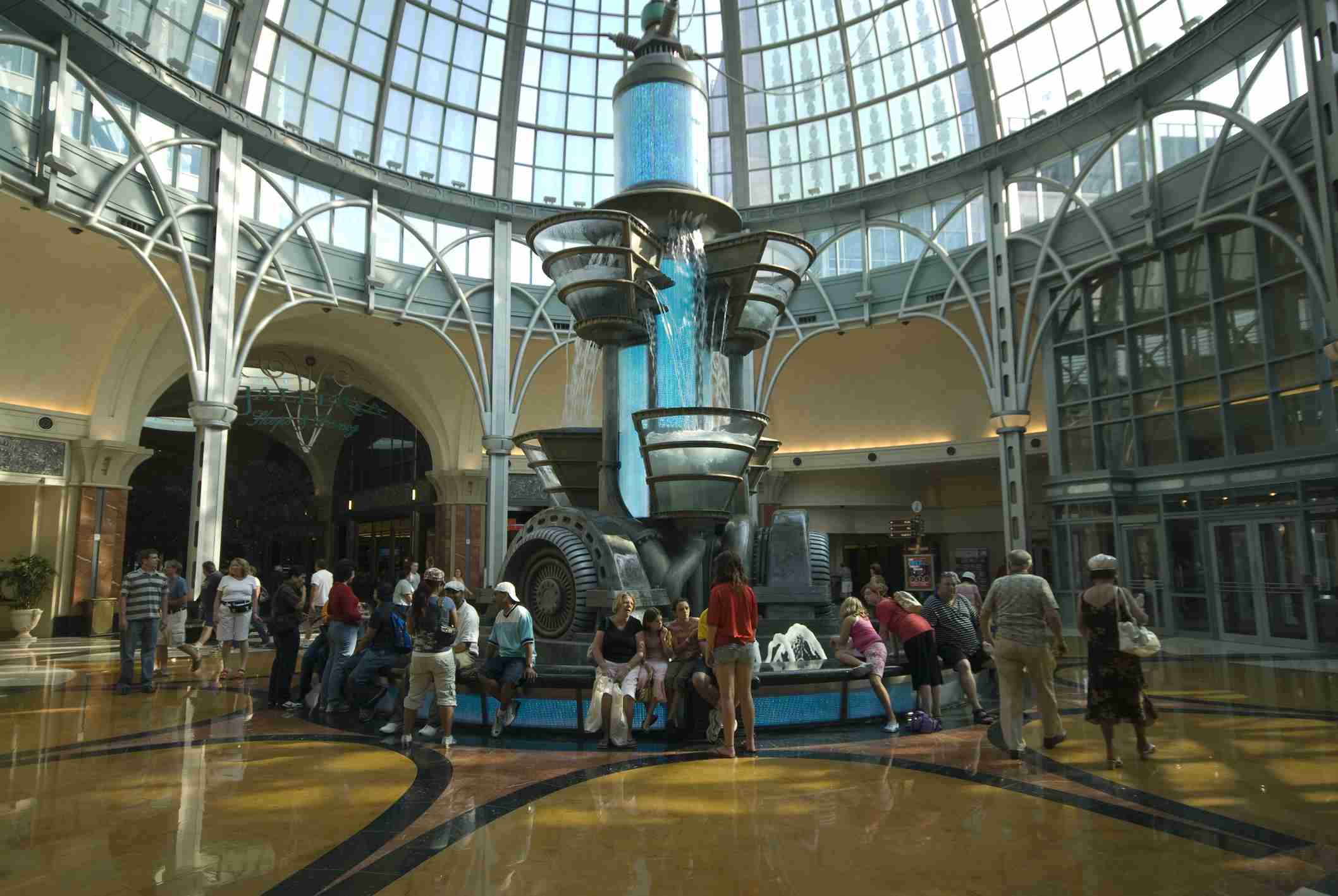 'The Hydro-Teslatron' Fountain in the Niagara Fallsview Casino Resort