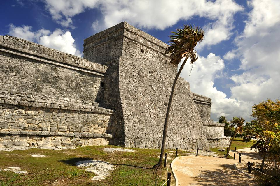 El Castillo is the main structure in Parque Nacional Tulum.