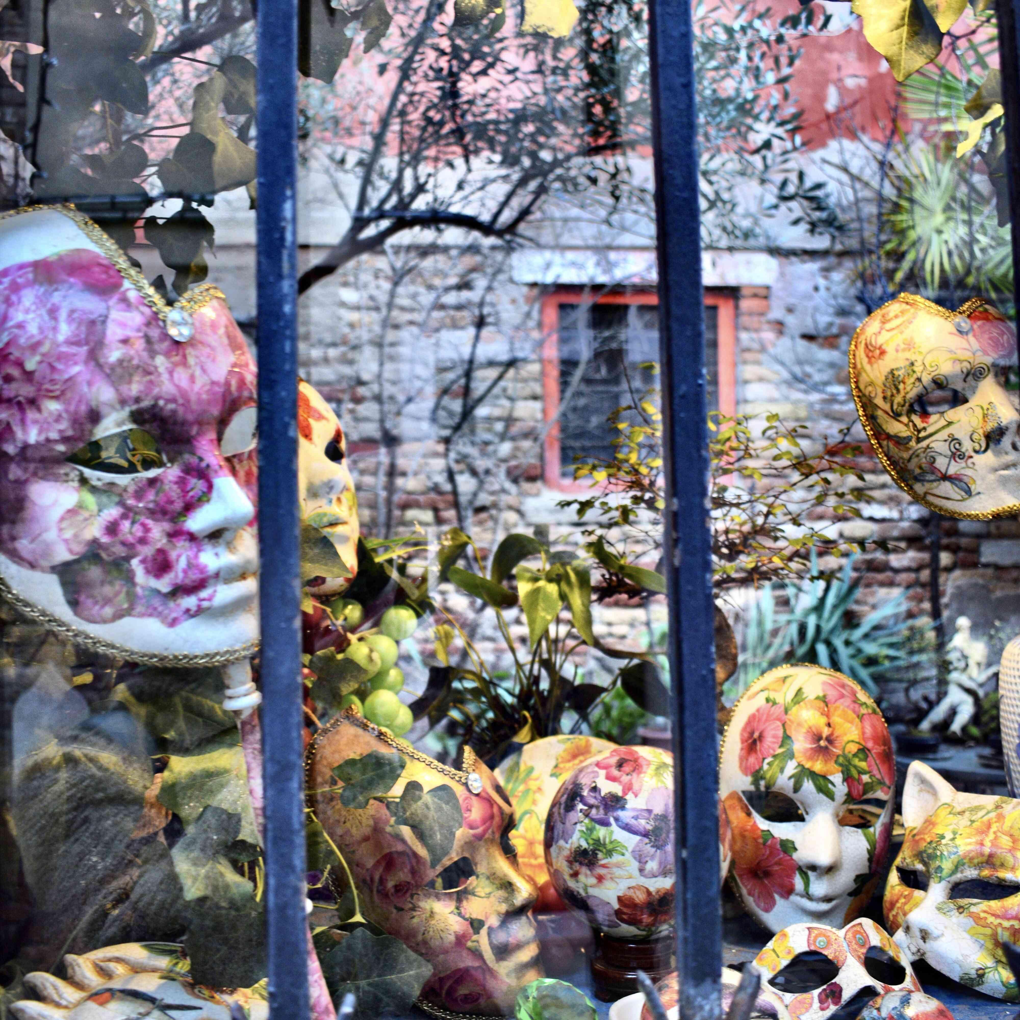 Una tienda de máscaras pintadas en Venecia