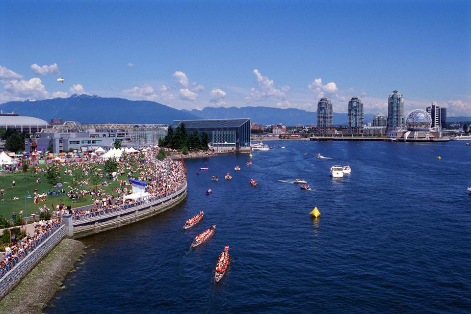 DRAGON BOAT RACES, VANCOUVER, BRITISH COLUMBIA, CANADA