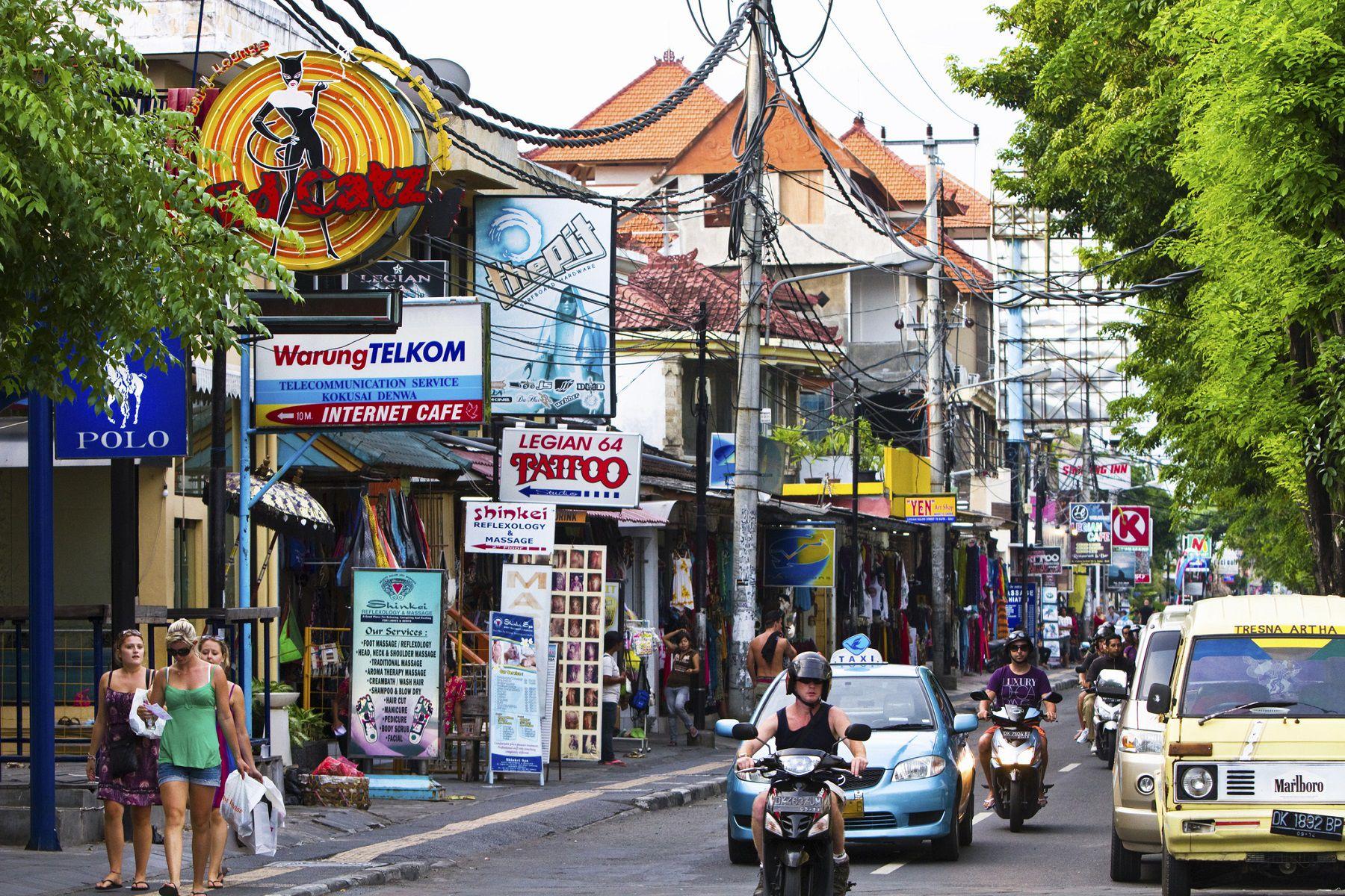 Jalan Legian, Kuta, Bali, Indonesia