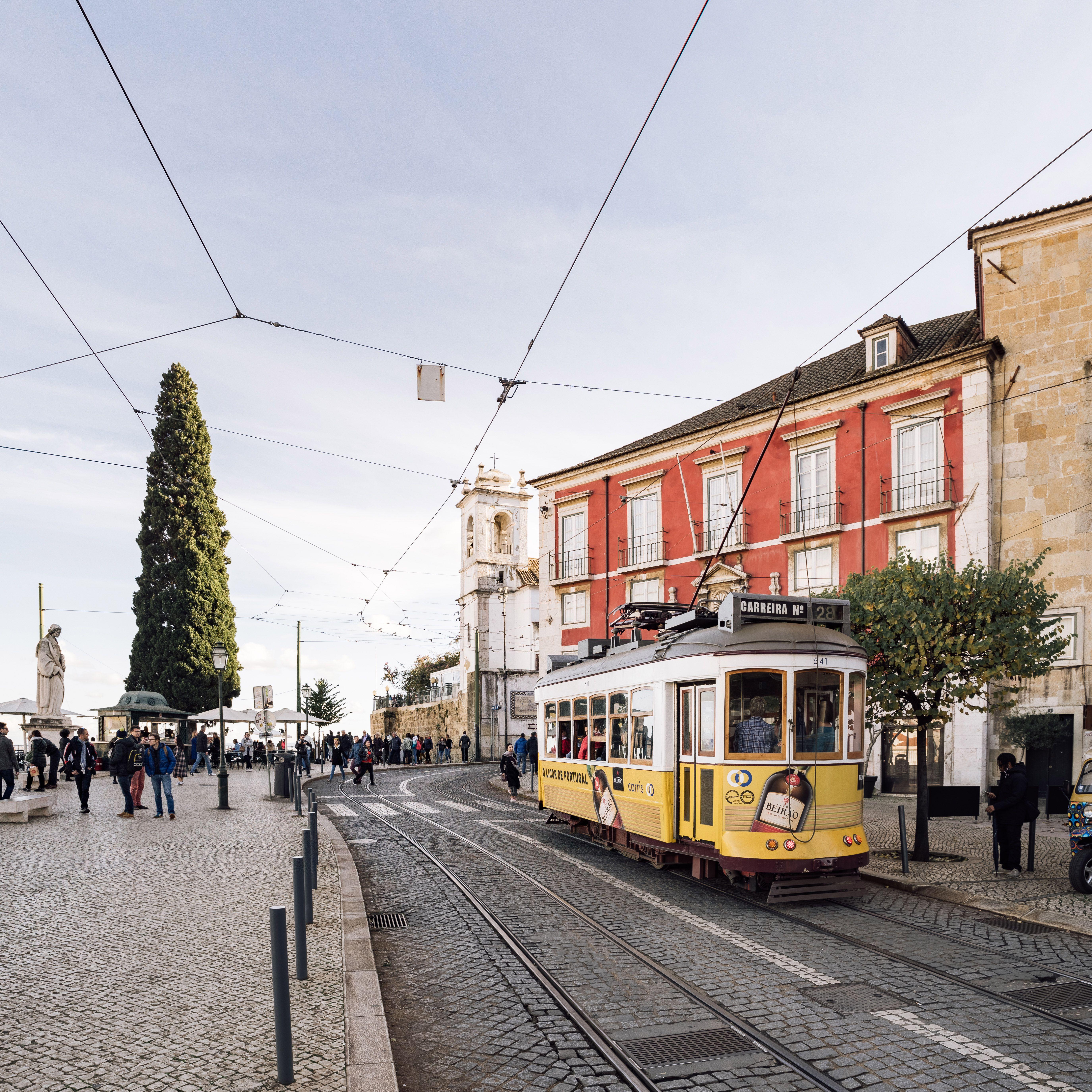 El tranvía que atraviesa la ciudad de Lisboa