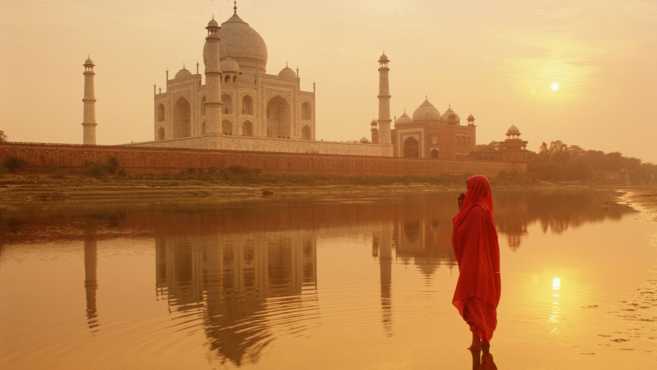 The Taj Mahal in India: What to Know Before You Go