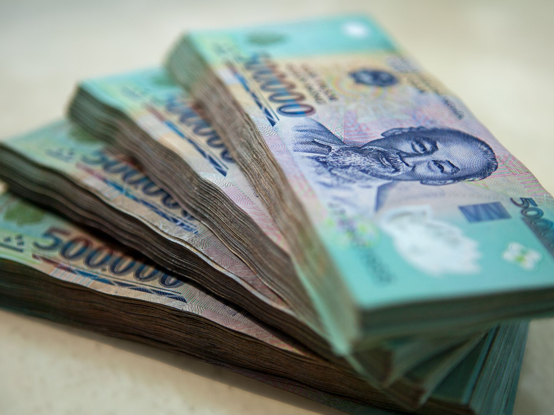 The World's Most Worthless Currencies