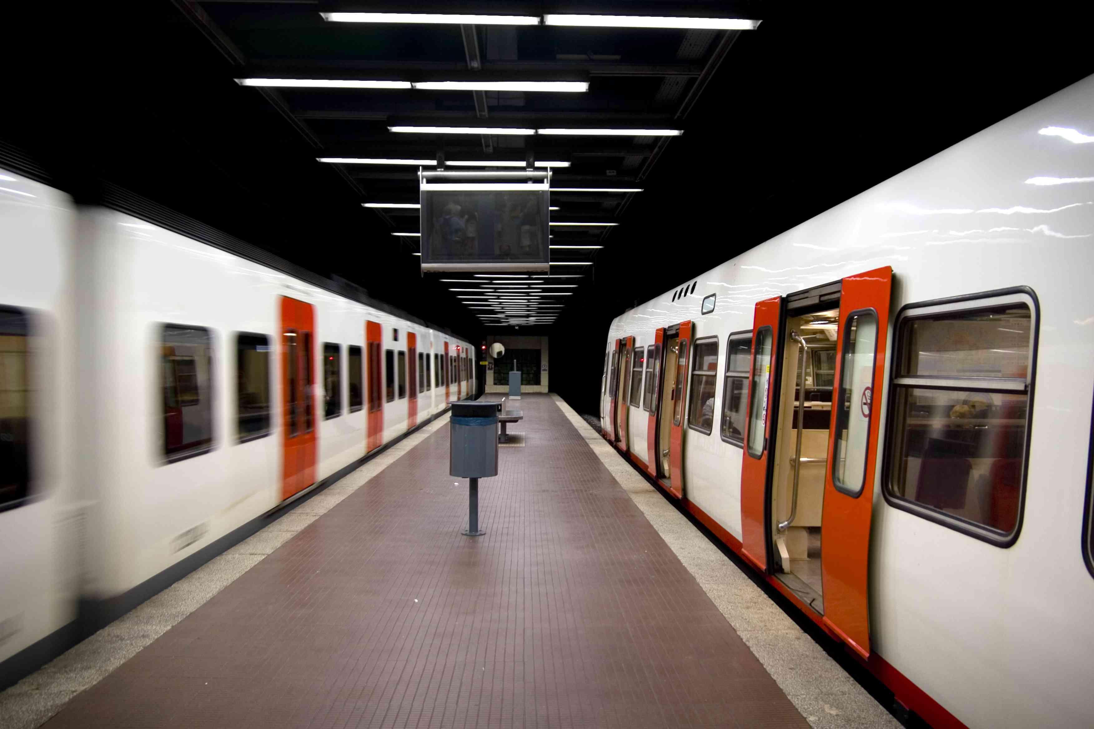 Trains in Barcelona underground