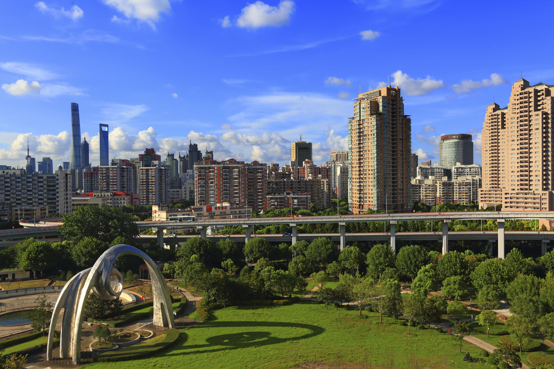 Asia, China, Shanghai. Nanpu bridge and Nanpu Square Park
