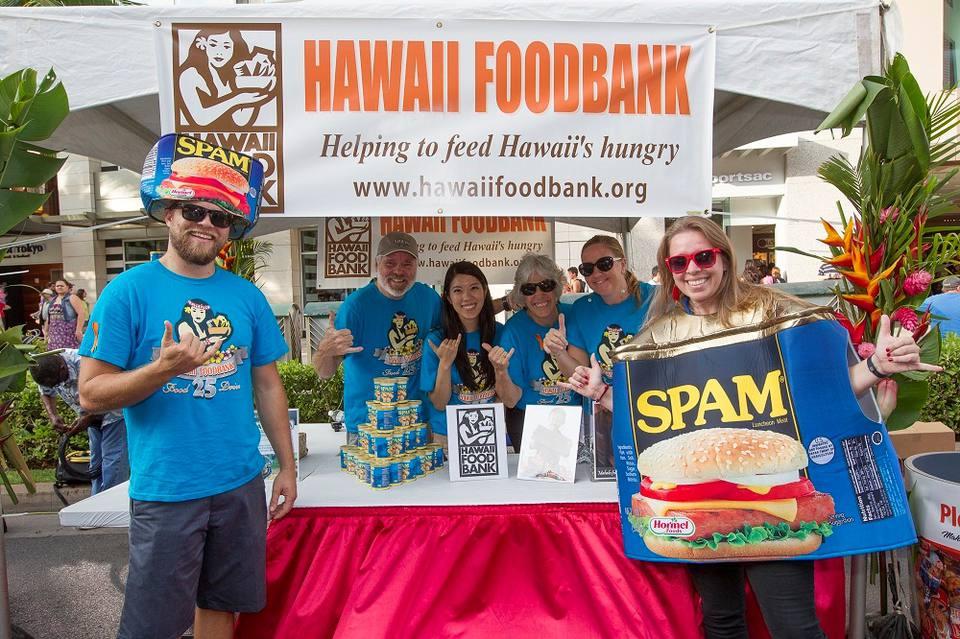 Waikiki SPAM Jam volunteers