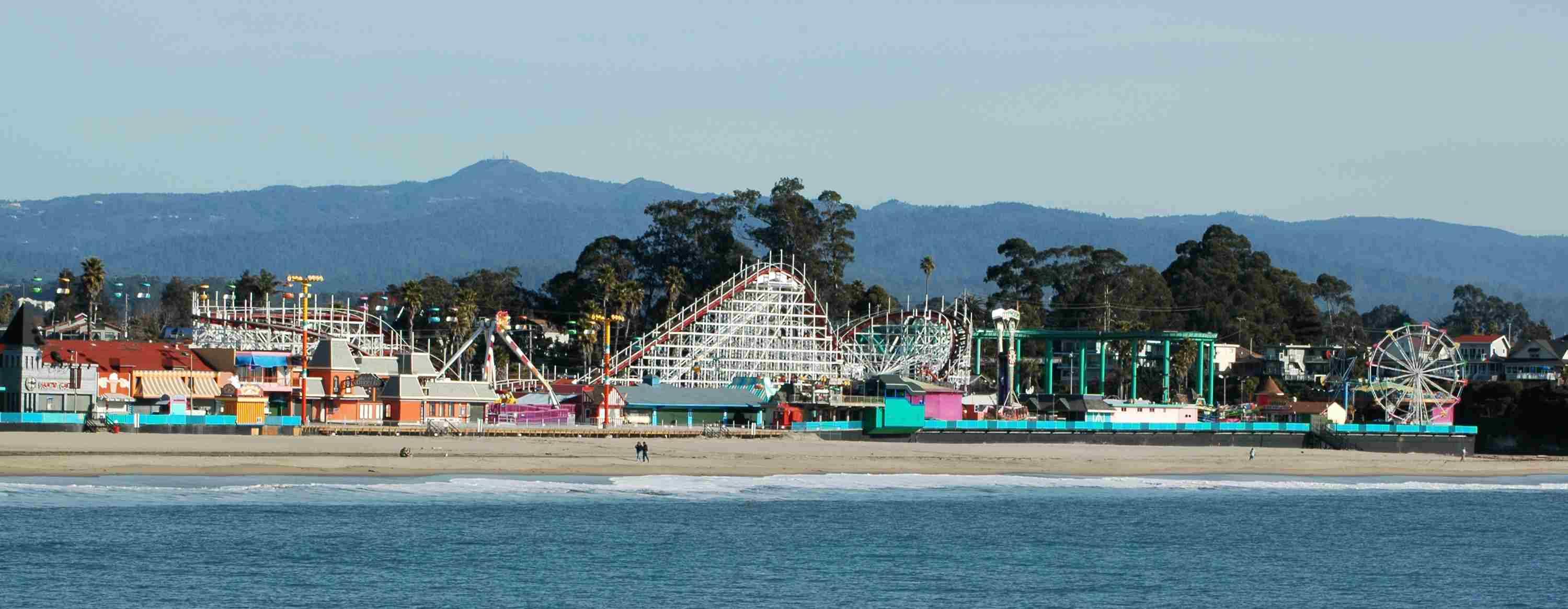 Paseo marítimo de la playa de Santa Cruz, parque de atracciones de California