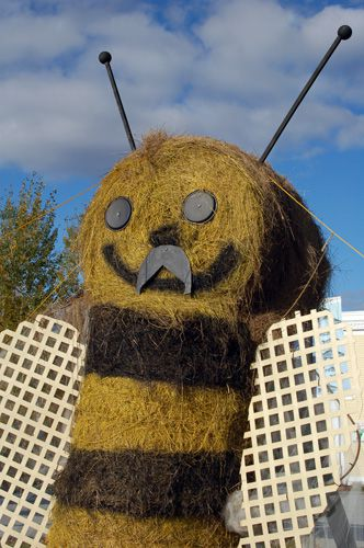 Killington Vermont Hay Art Display - Hay Bale Bee