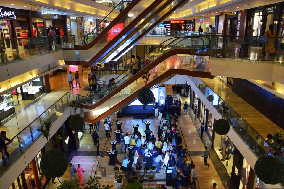 10 Biggest and Best Mumbai Malls 0e7ce6cba7