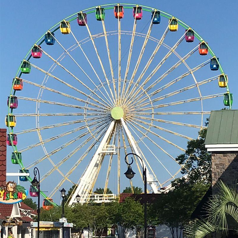 Rueda de la fortuna en Pavilion Park en Myrtle Beach