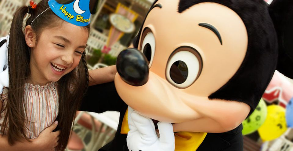 Celebrate birthdays at Disney parks