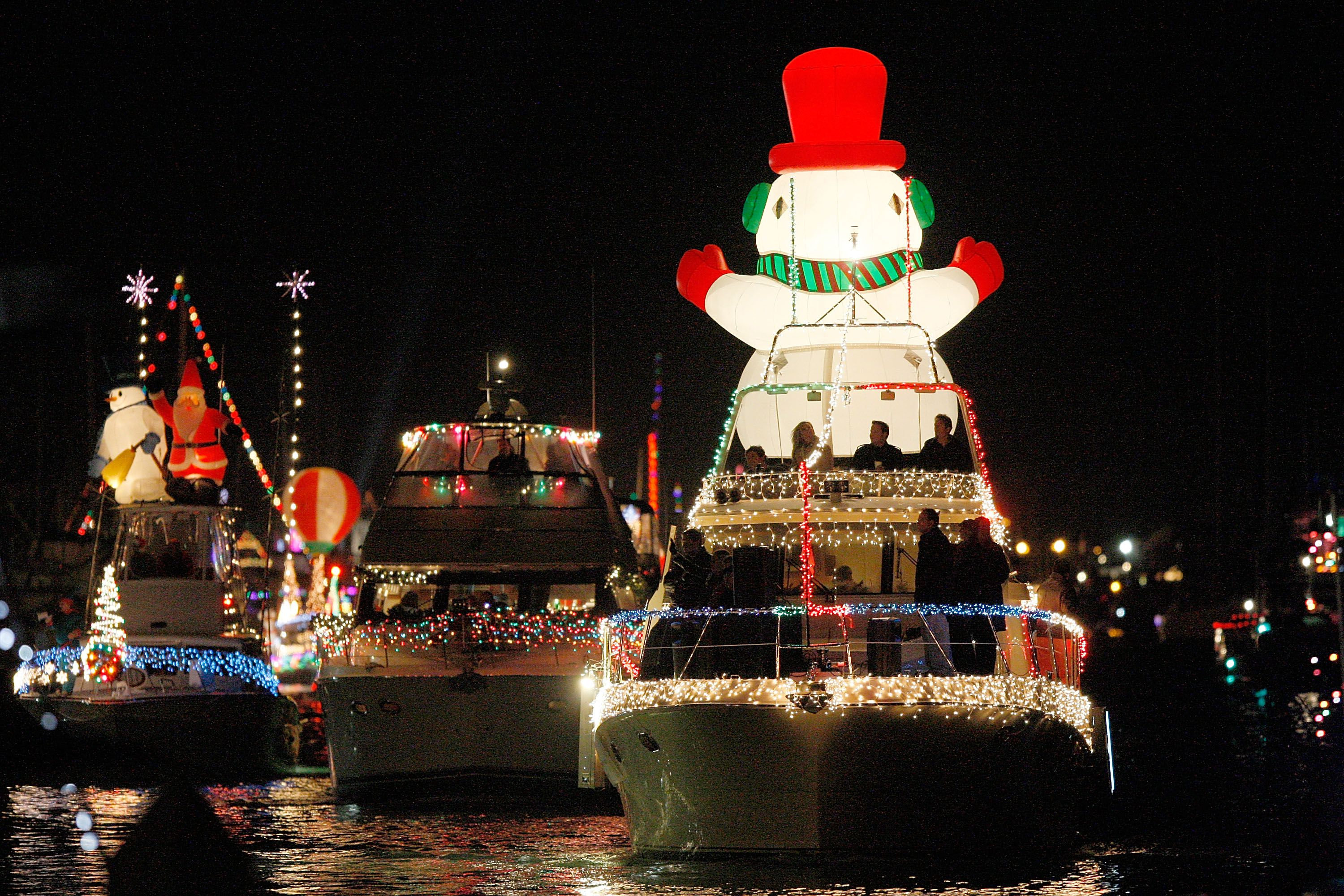 Christmas Boat Parade.Newport Beach Christmas Boat Parade The Complete Guide