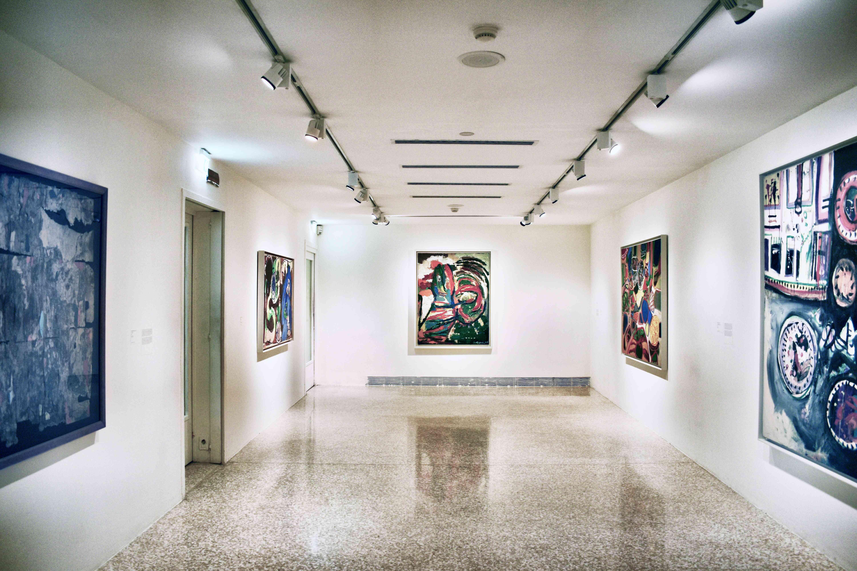 Pinturas en una galería del Guggenheim
