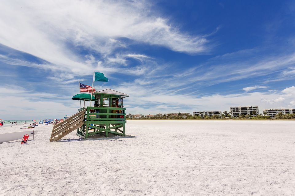 Siesta beach in Sarasota, Florida
