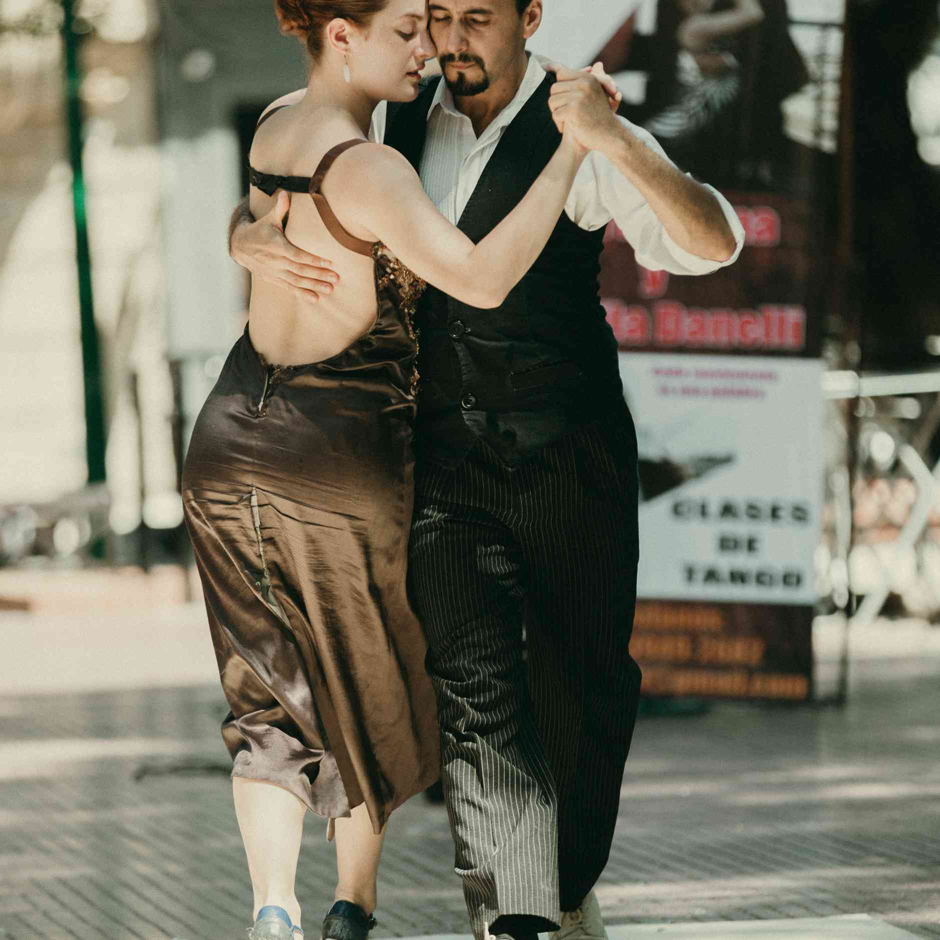 People dancing tango in Buenos Aires