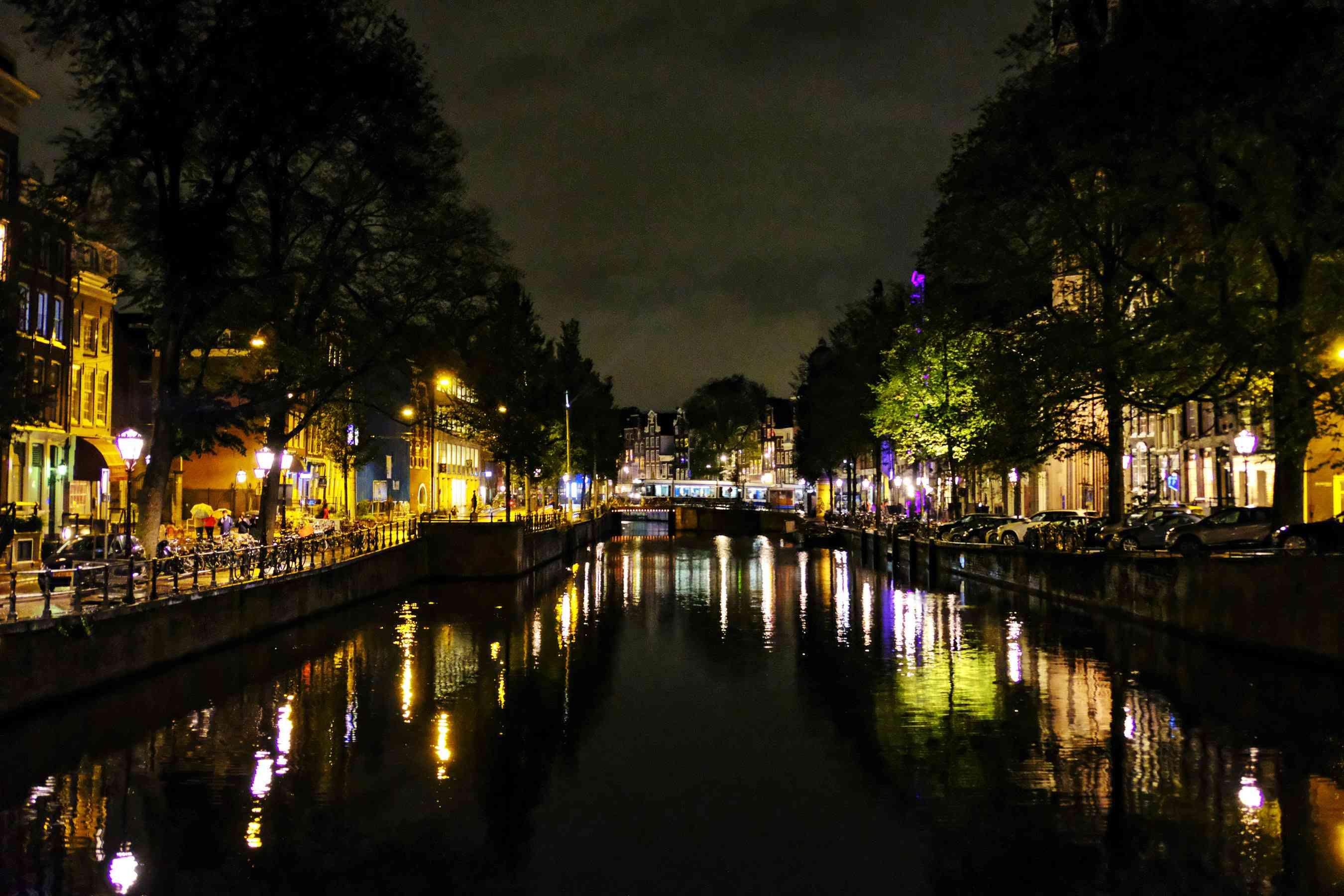 Amsterdam se iluminó por la noche