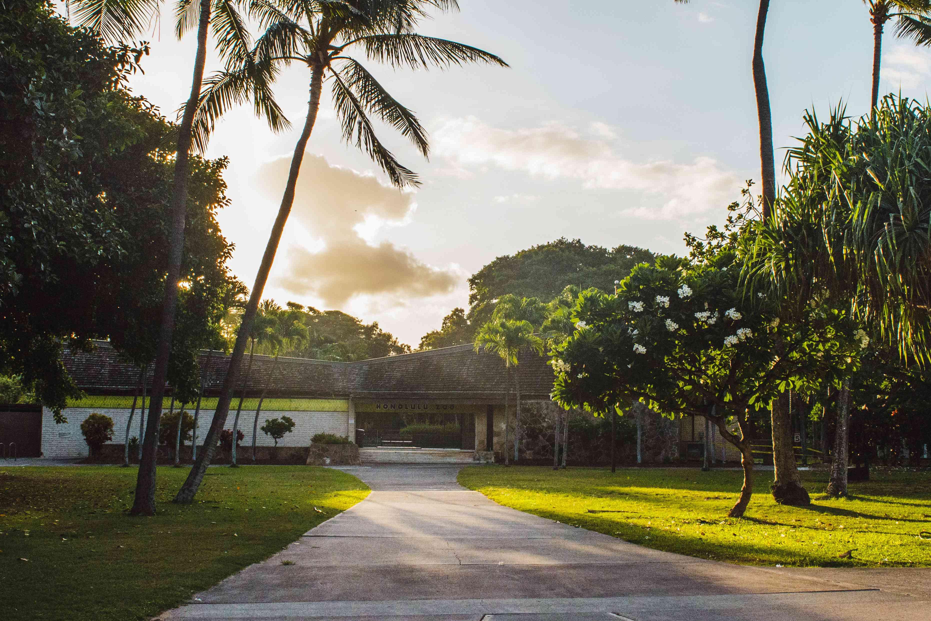 Entrance to Honolulu Zoo