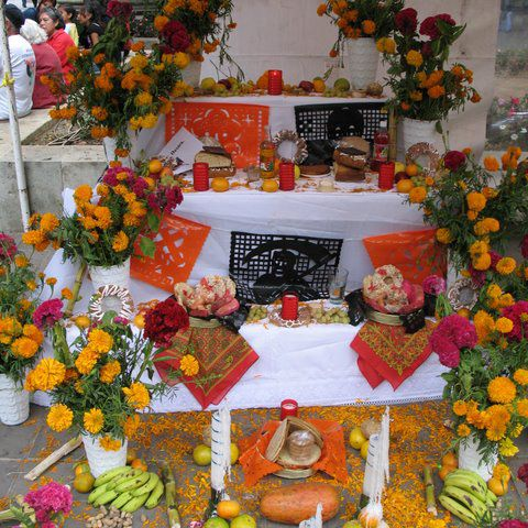 Day of the Dead altar with three tiers