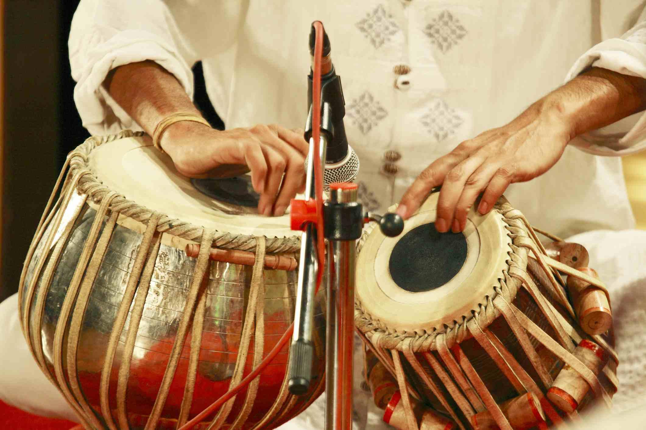 Tabla player en India