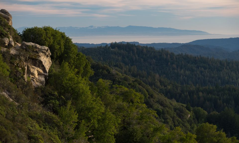 View of the Santa Cruz mountains from Castle Rock State Park in Los Gatos