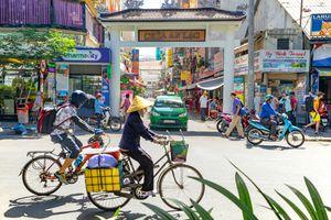 Street view of Pham Ngu Lao Street in Vietnam