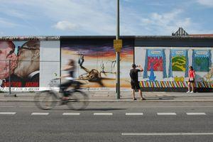 Berlin street art - East Side Gallery