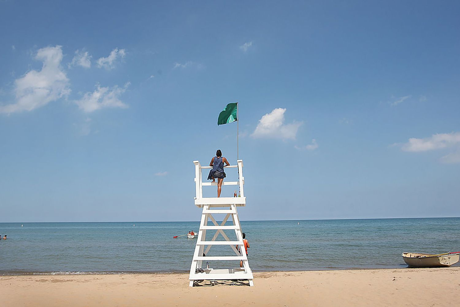 Lifeguard stand at Kathy Osterman Beach in Chicago