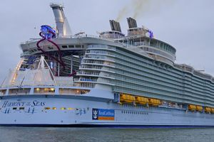 Cruiseship Harmony of the Seas cruise ship