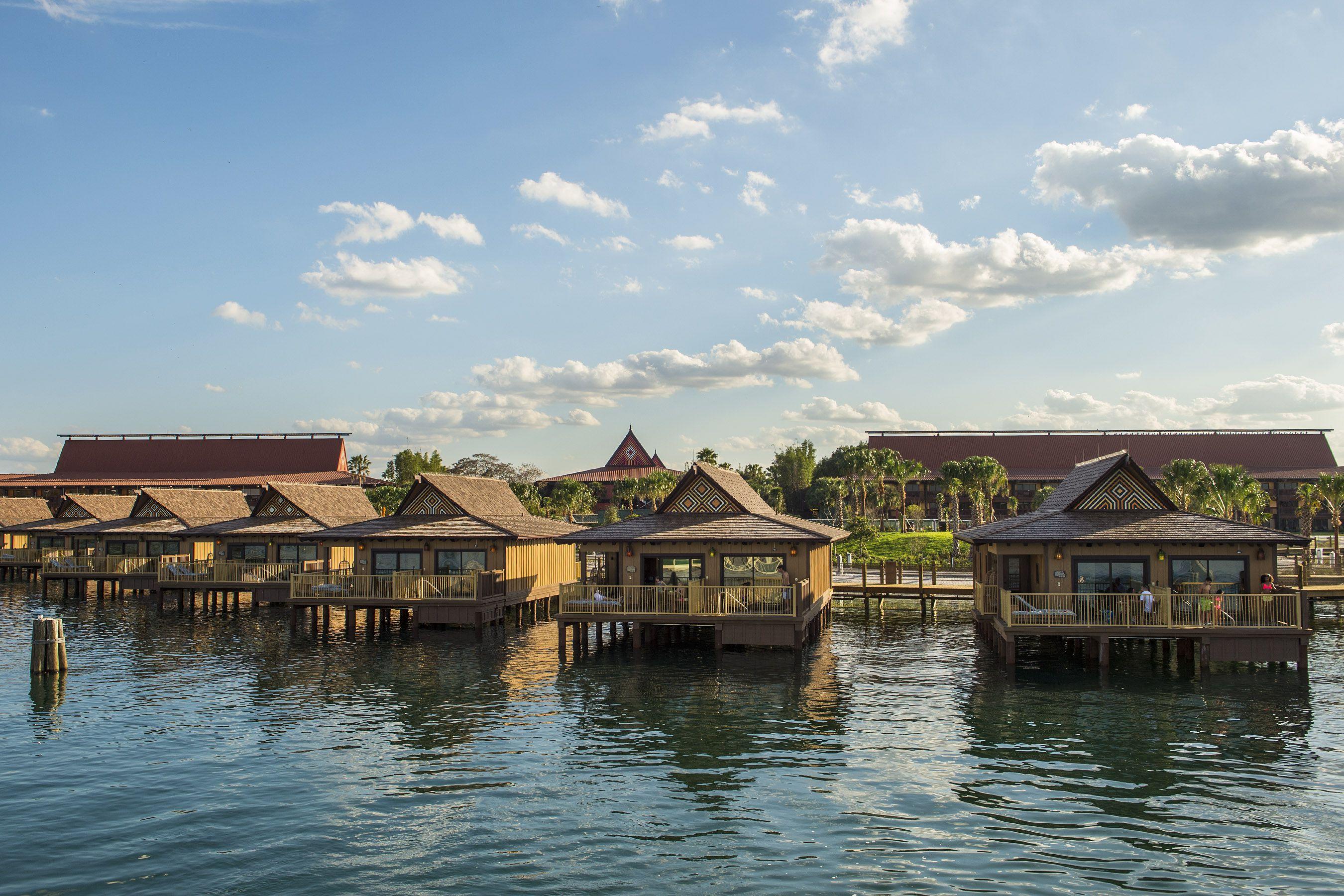 Los bungalows en el complejo polinesio de Disney