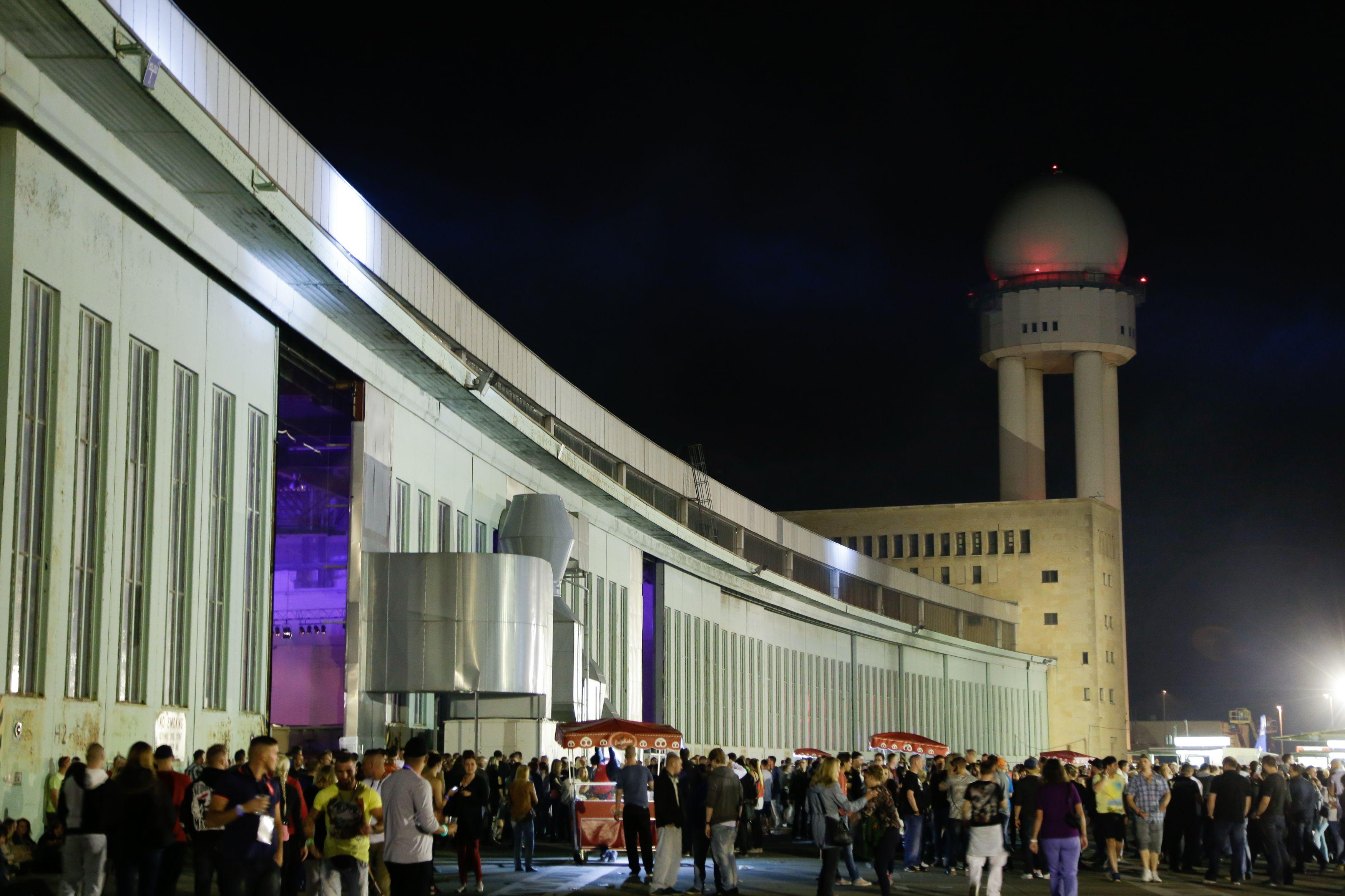 Rave at Tempelhof en Berlín