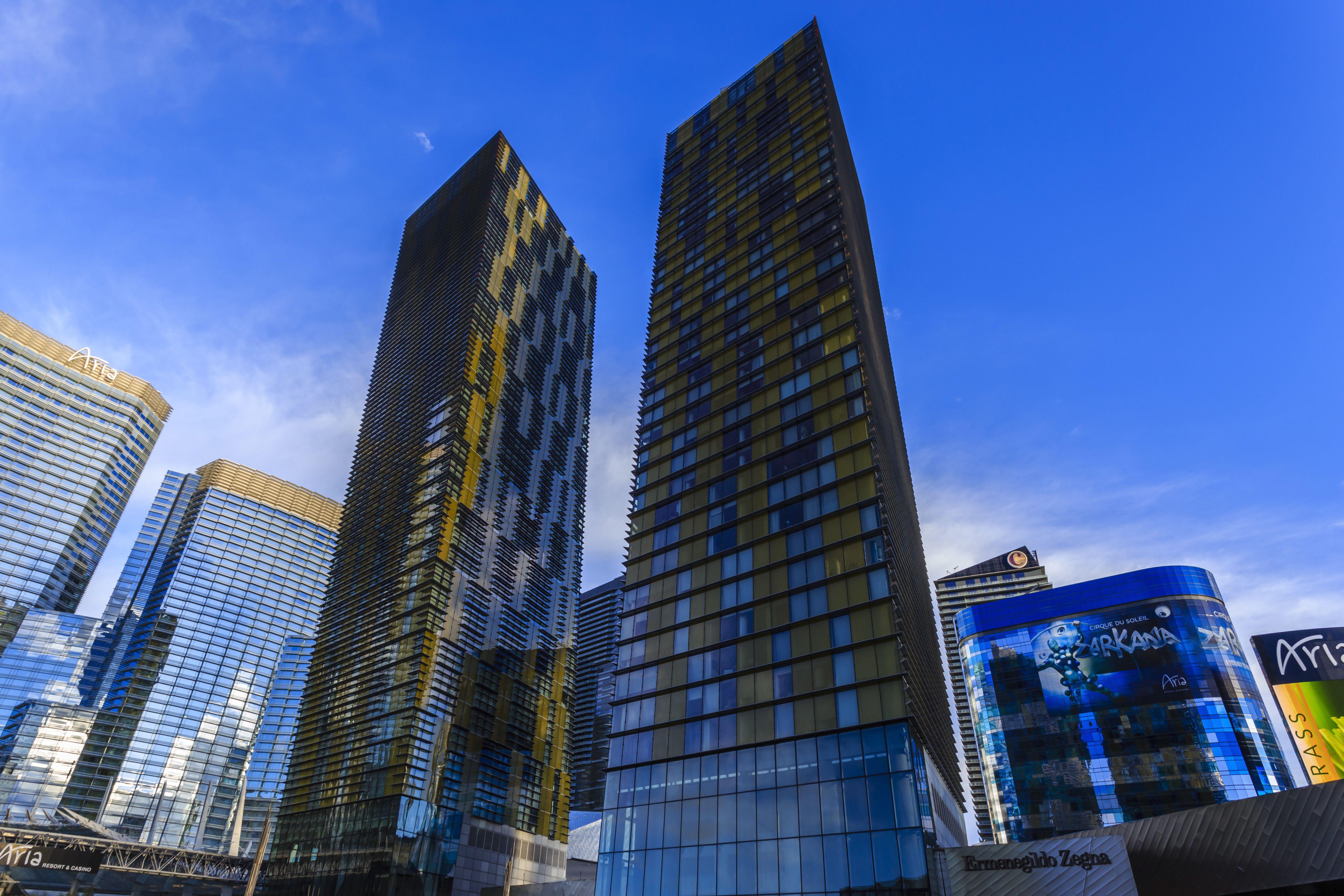 Cosmopolitan Hotel Las Vegas City Center Metropolis Veer Towers Aria And Harmon Hotels Early Morning