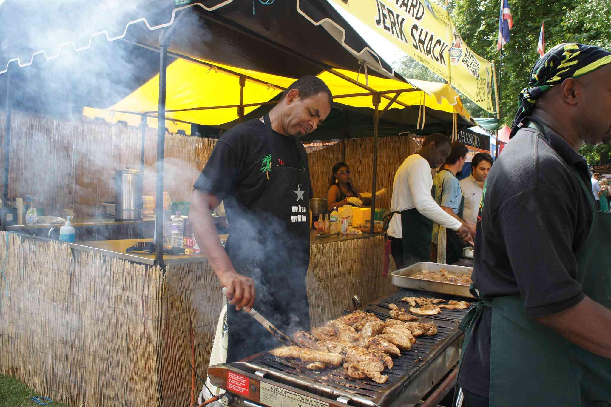 Jerk Chicken: comida callejera caribeña clásica