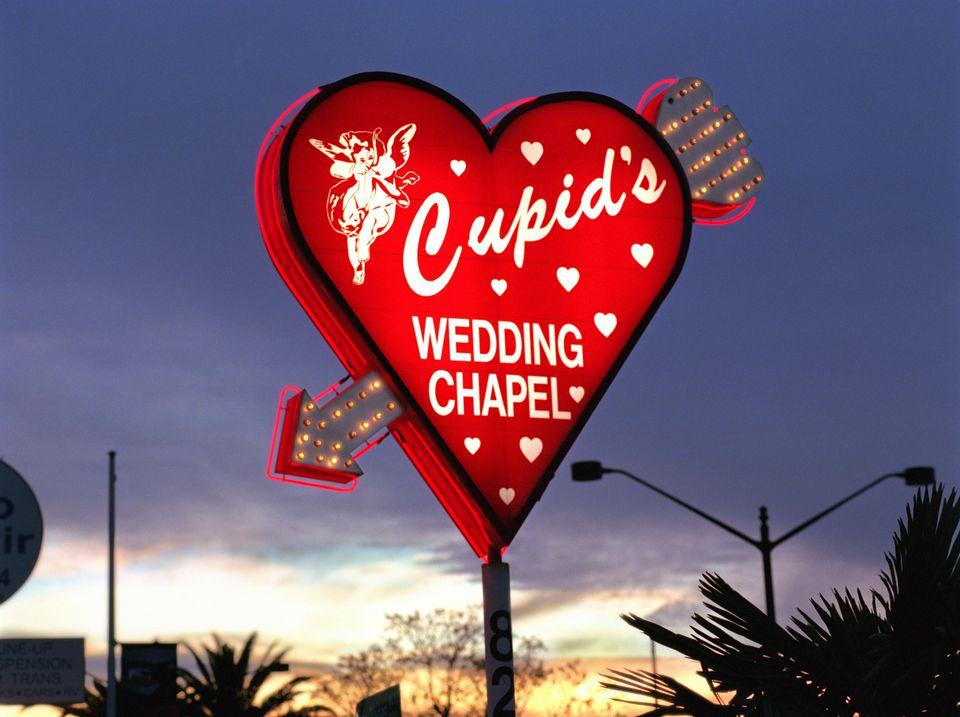 cupid's wedding chapel sign in las vegas