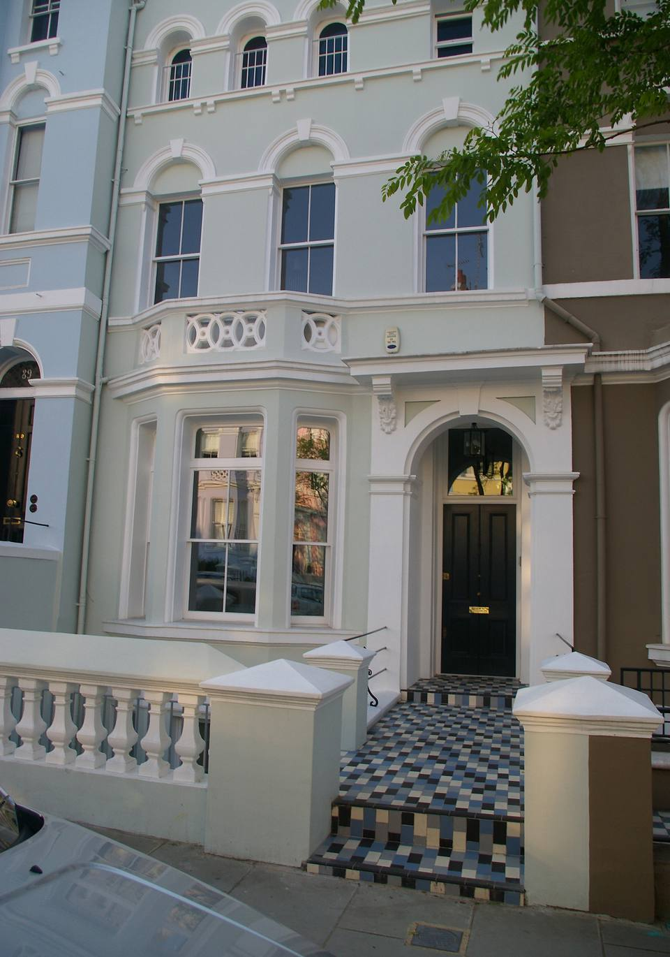 """Notting Hill London: A Walking Tour Of """"Notting Hill"""" Movie Locations In London"""