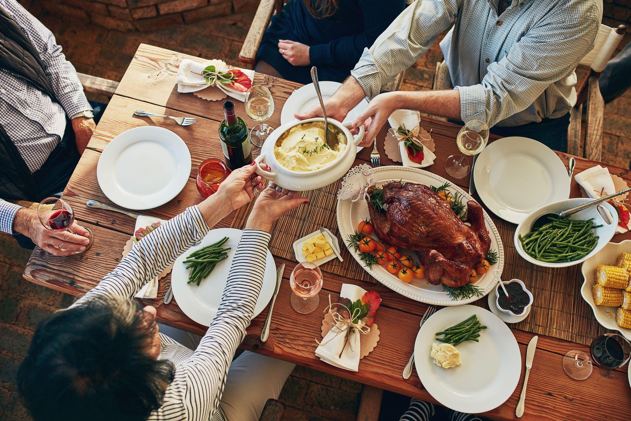 обед в выходные дни с фото островах организован крупный