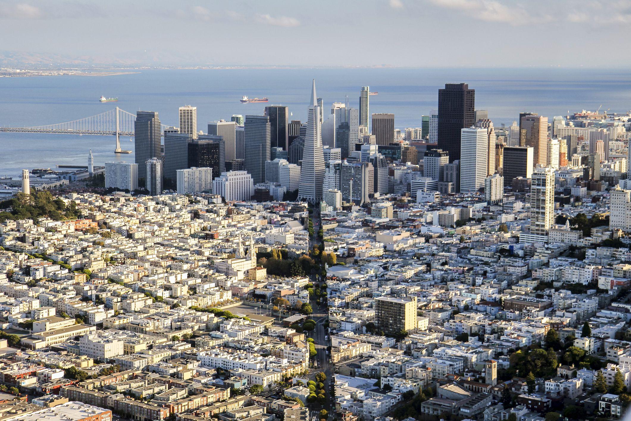 8d203339 Columbus Ave & Downtown San Francisco aerial
