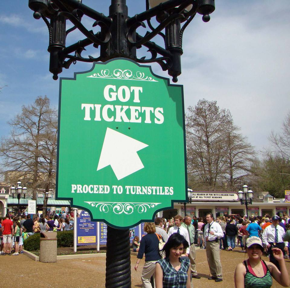Look For Group Discounts During A Six Flags Visit