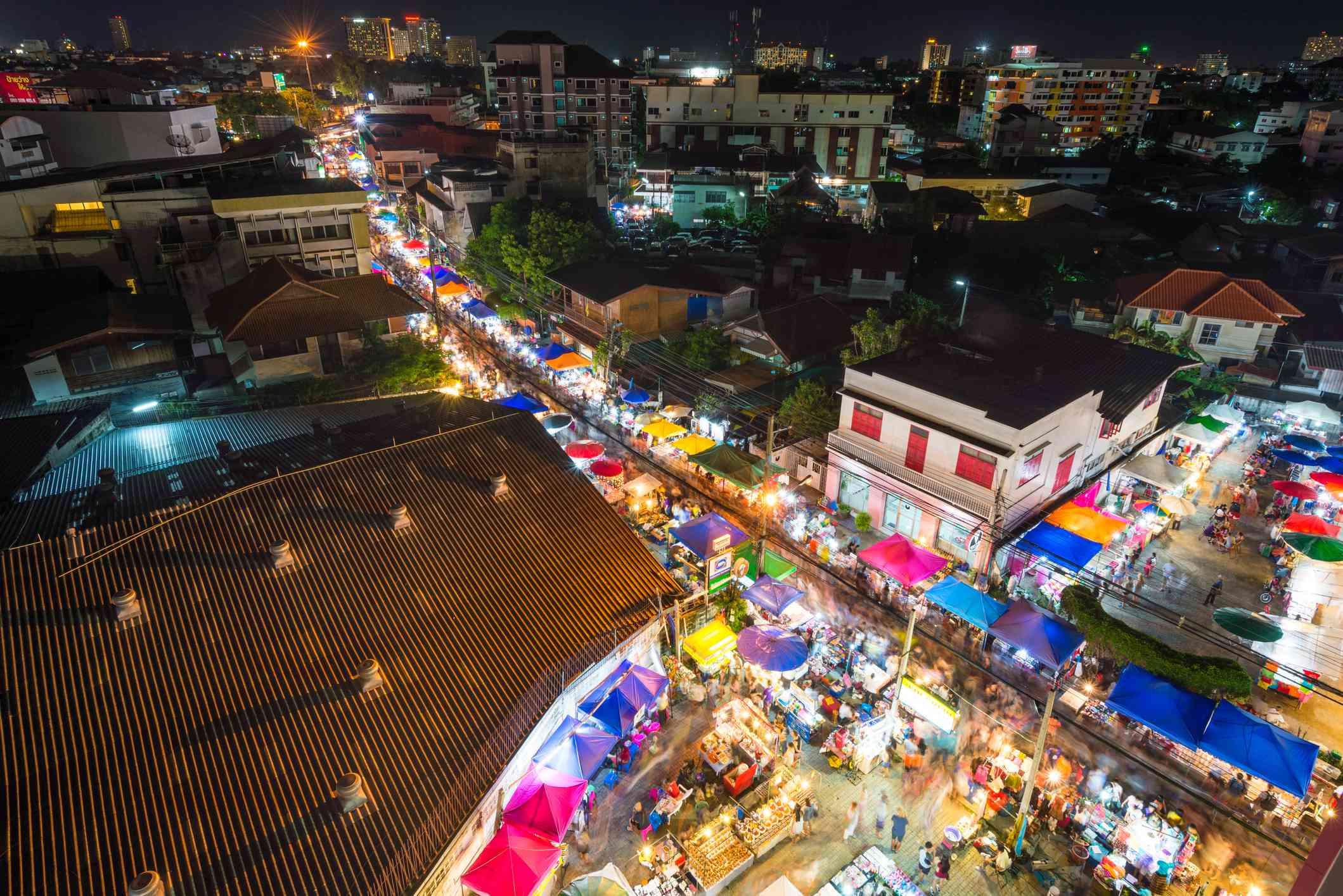 Saturday Night market at Wua Lai Road, Chiang Mai, Thailand