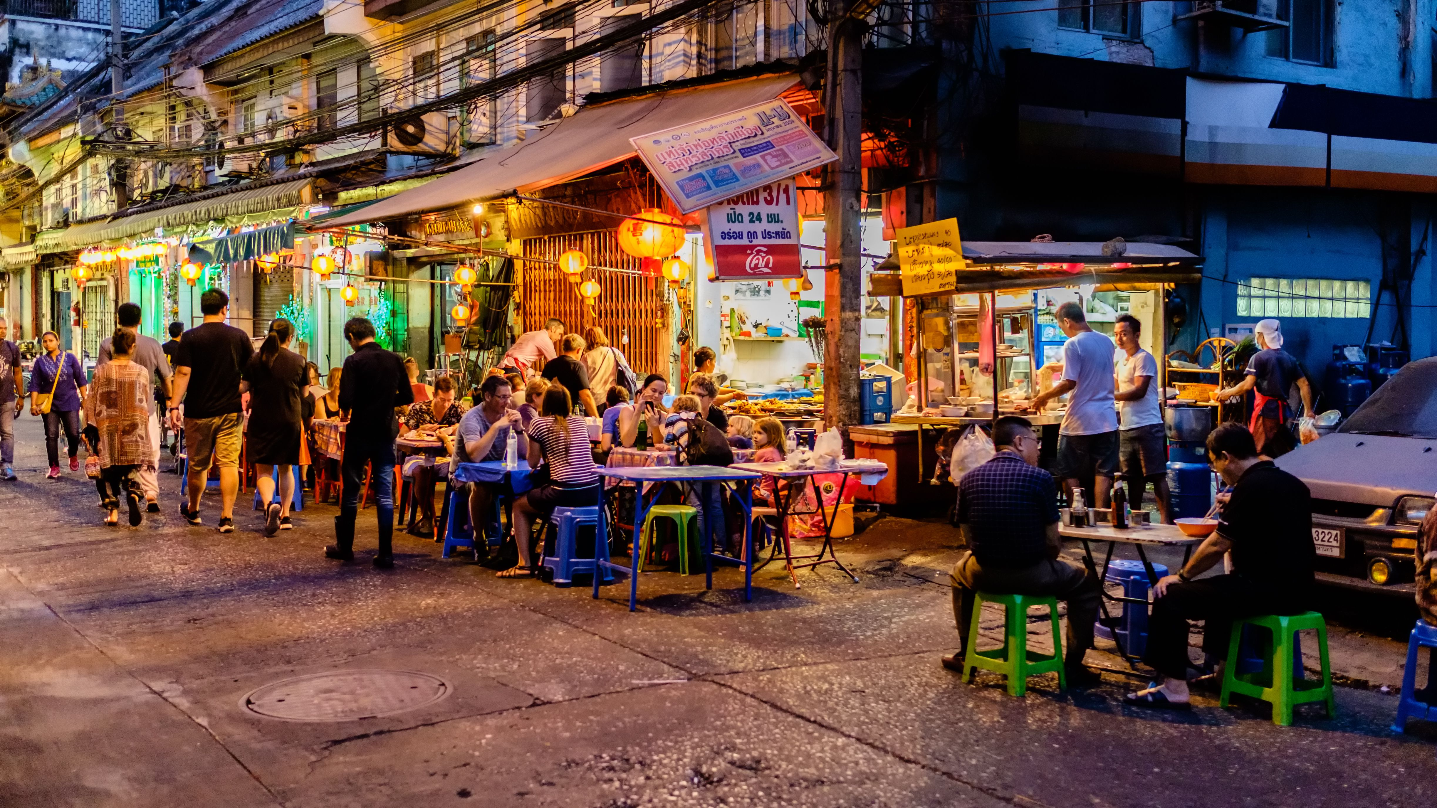 Night market for Chef cooking on Chinatown (Yaowarat) Road