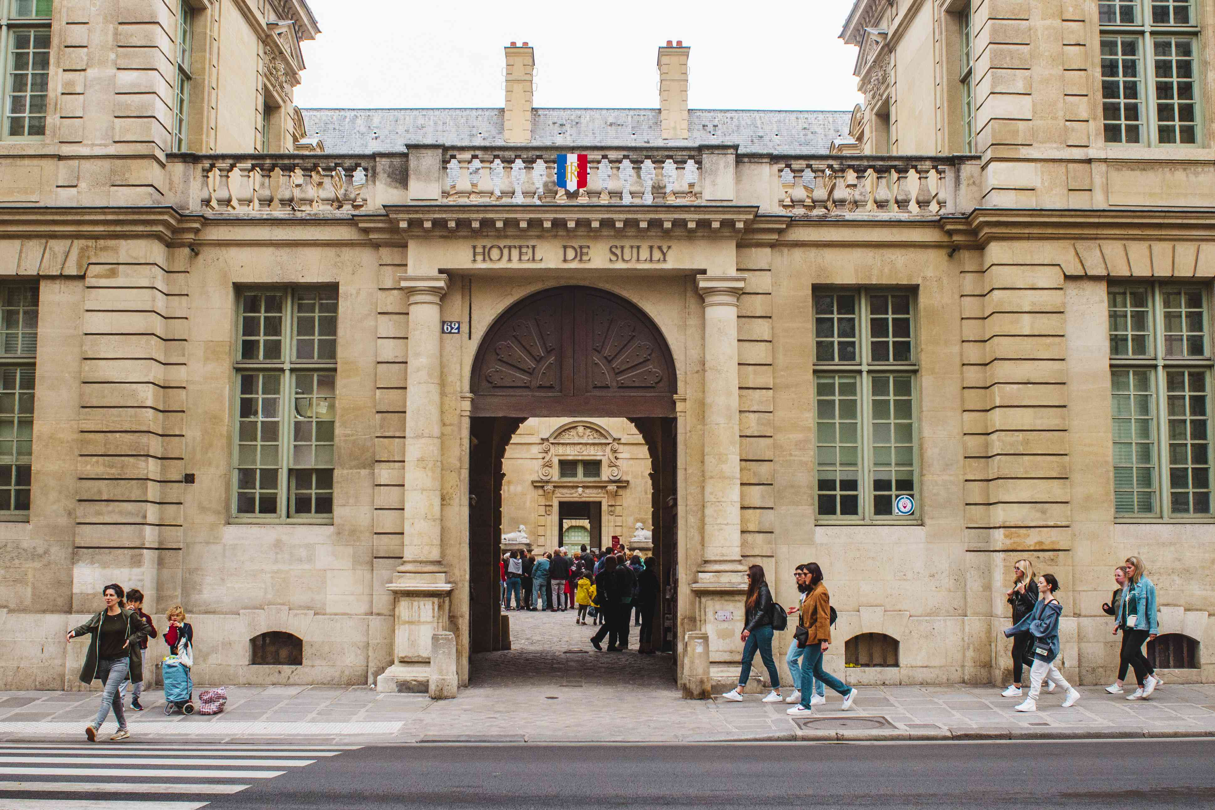 Exterior of Hotel De Sully