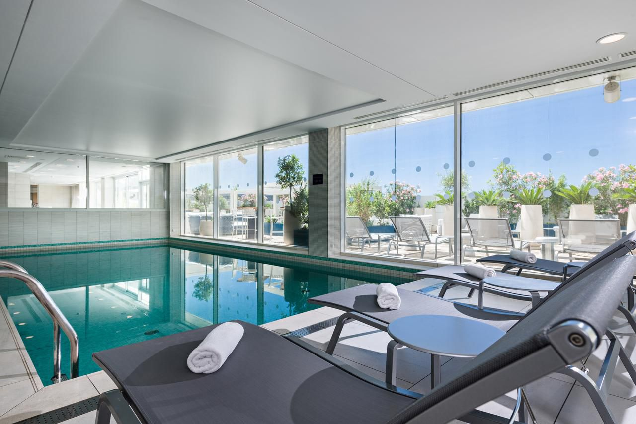 Pool and fitness center, Golden Tulip Marseille Euromed