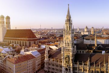 Germany, Bavaria, Munich, Church of Our Lady and New Town Hall at Marienplatz, Panorama